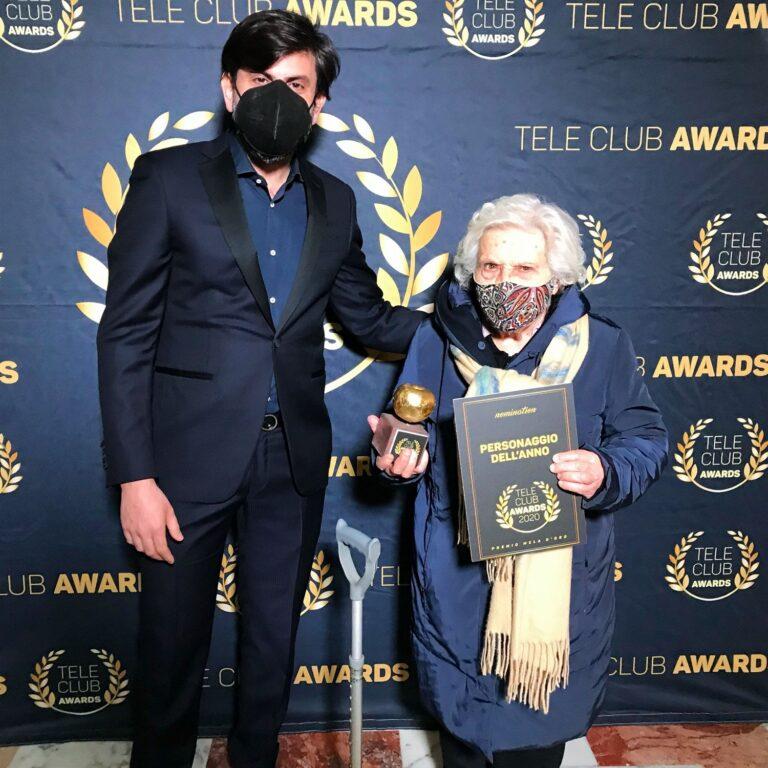 Consegnati gli Awards premio la Mela d'oro 2020 di Teleclubitalia: Nonna Antonietta, è il 'Personaggio dell'anno'