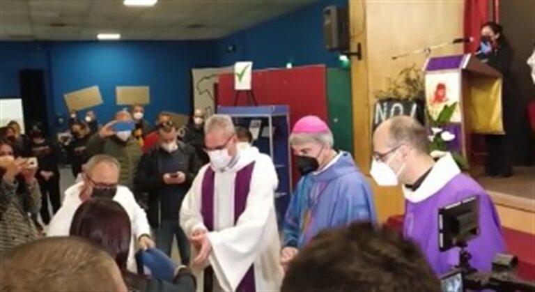 """Vertenza Whirpool, l'appello del vescovo Battaglia: """"Sospendere i licenziamenti"""""""