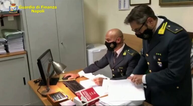 Università di Salerno scoppia lo scandalo: esami mai sostenuti e validati. Due dipendenti arrestati e 43 indagati