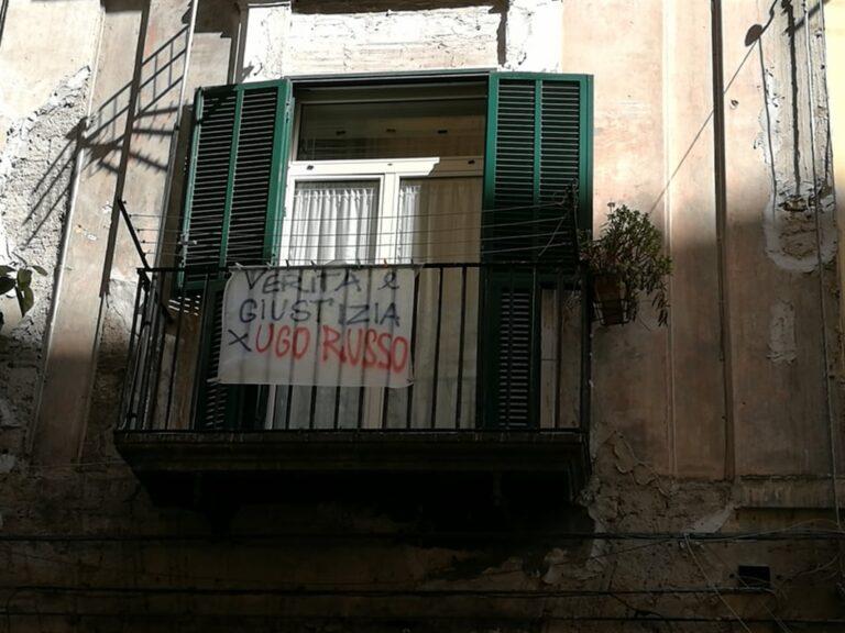 Lenzuolata a Napoli per Ugo Russo ucciso mentre tentava rapina