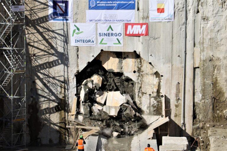 Napoli, linea Metro 1: giù  membrana della galleria Capodichino-Poggioreale