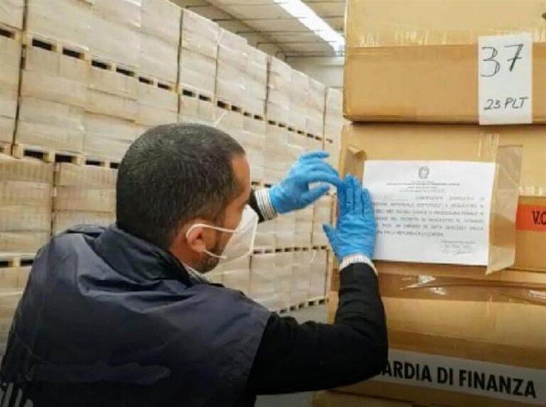 Covid: respinti a Napoli oltre 98mila guanti di provenienza malaysiana