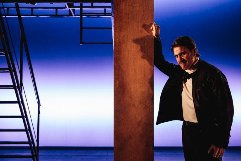 Ripartenza del teatro Mercadante con 'Spacciatore. Una sceneggiata'