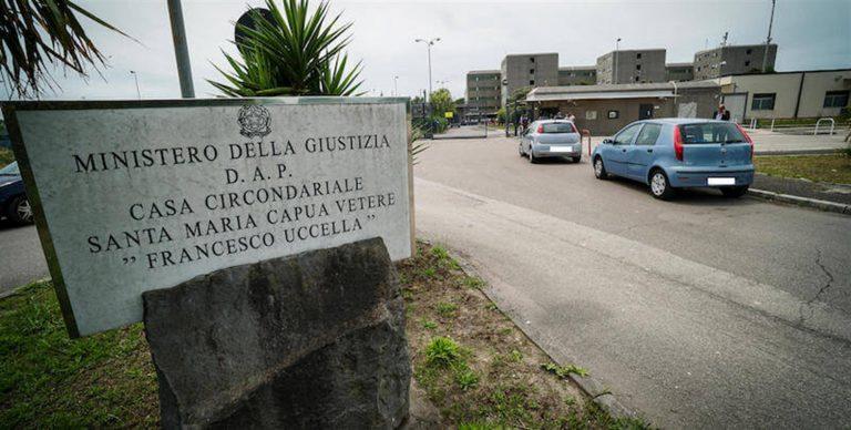 """Arrestati 52 agenti penitenziari, torturavano i detenuti. Salvini : """"La mia totale solidarietà a donne e uomini in divisa"""""""