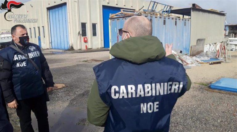 Sequestrati container carichi rifiuti e moto rubate