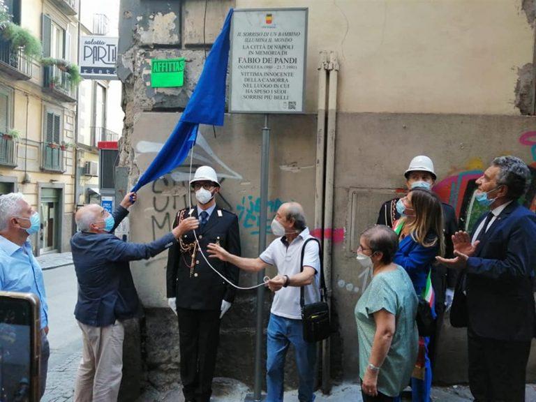 Targa in memoria Fabio De Pandi, vittima innocente camorra