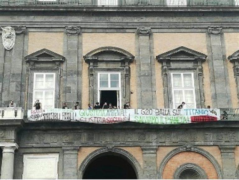 Blitz dei movimenti a Palazzo Reale per il G20